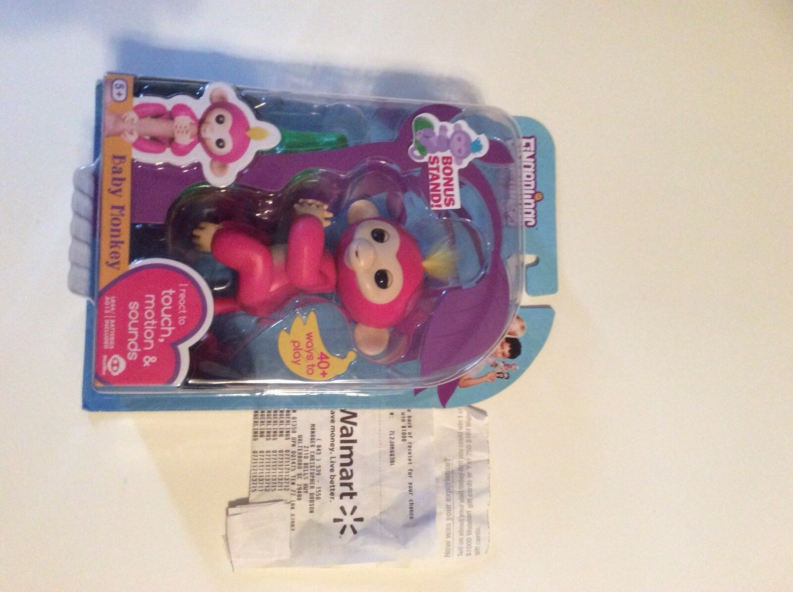 Authentic WowWee Fingerlings Interactive Baby Monkey Bella Fingerling + Stand