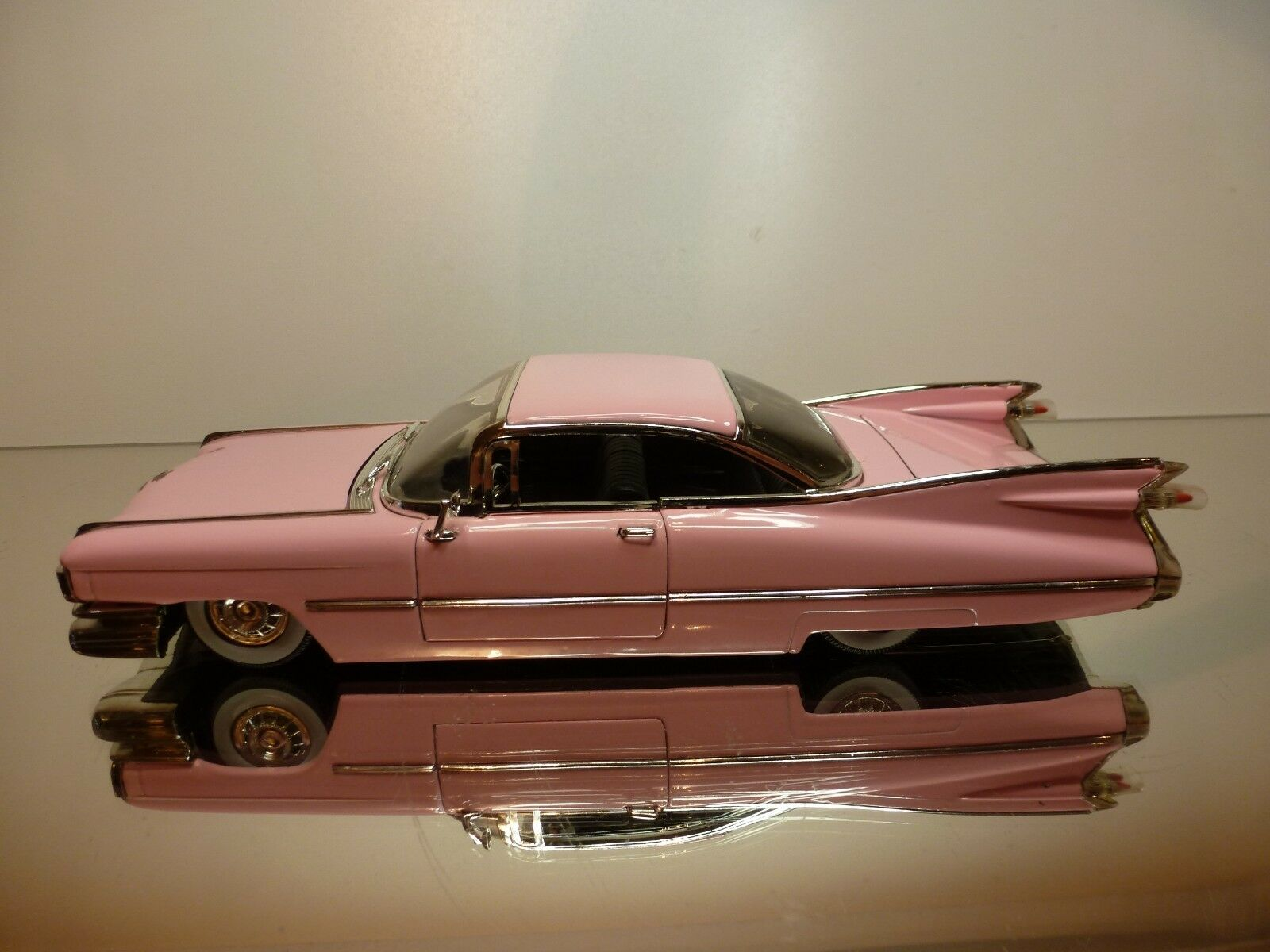 JADA JADA JADA TOYS CADILLAC DEVILLE 1958 - PINK 1 24 - VERY GOOD CONDITION b3e0c7