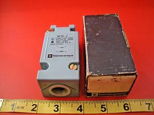 Telemecanique-ZCK-J11-H7-Limit-Switch-Body-ZCK-J11-H7-A600-Q600-Nib-New