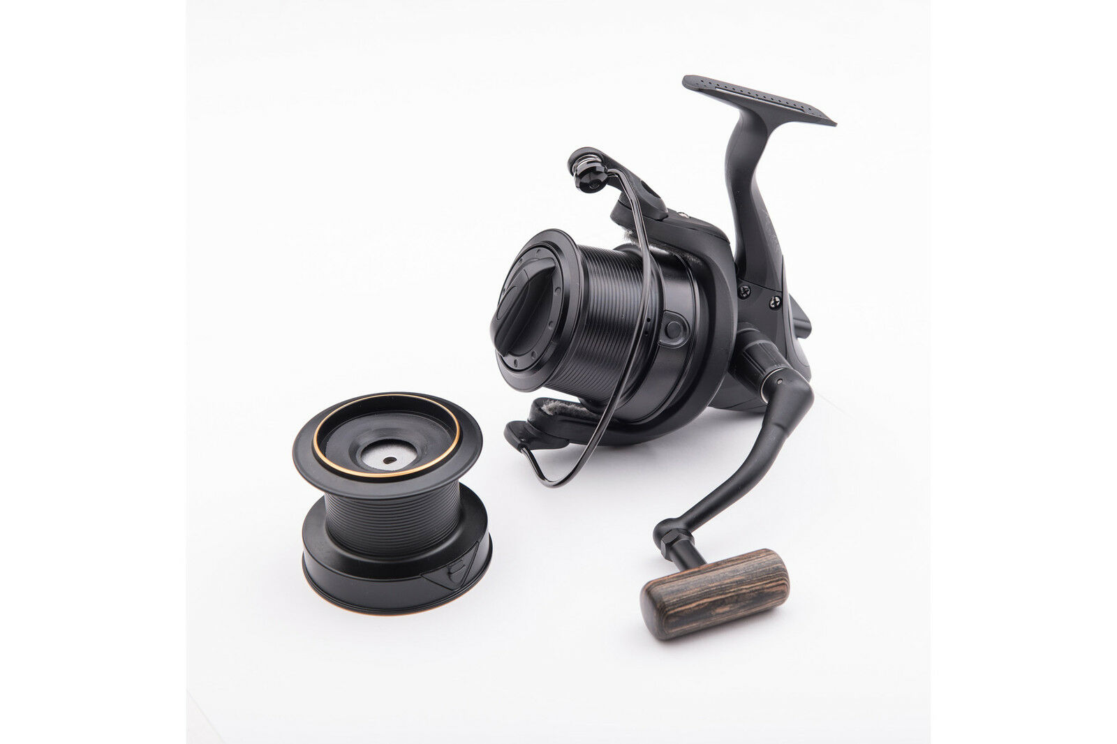 Wychwood Riot 65S Big Pit Fixed Spool Reel   Carp Fishing   Leeda   C0875