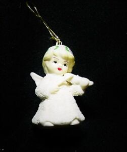 One-Angel-Figurine-Playing-a-Violin-With-A-Bell-Chrismas-Tree-Ornament