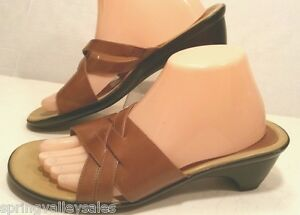 1be6eb0155bf0 Image is loading Clarks-Tan-Brown-Leather-Casual-Wedge-Sandals-Slides-