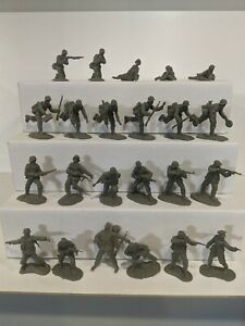 Conte-WWII-German-Infantry-23-Figures-1-32-54mm-0