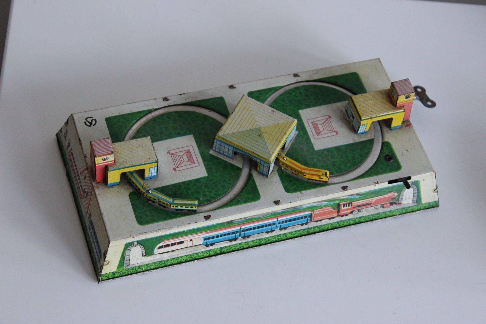 Jouet mécanique en Tôle lithographiée Train circuit à clé clé clé era Technofix aa7a67