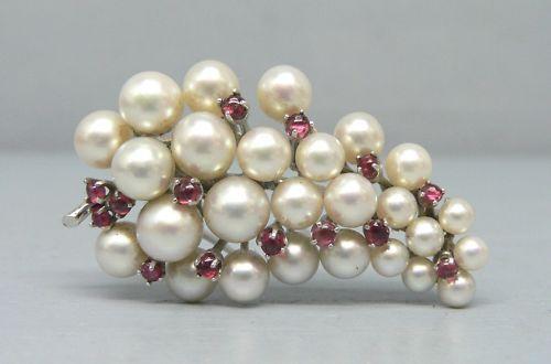 Gorgeous 14K White gold Pearl and Garnet Fur Clip