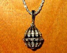 Ruso FABERGE Inspirado negro plata ESMALTE Rojo Swarovsky Cristal HUEVO colgante