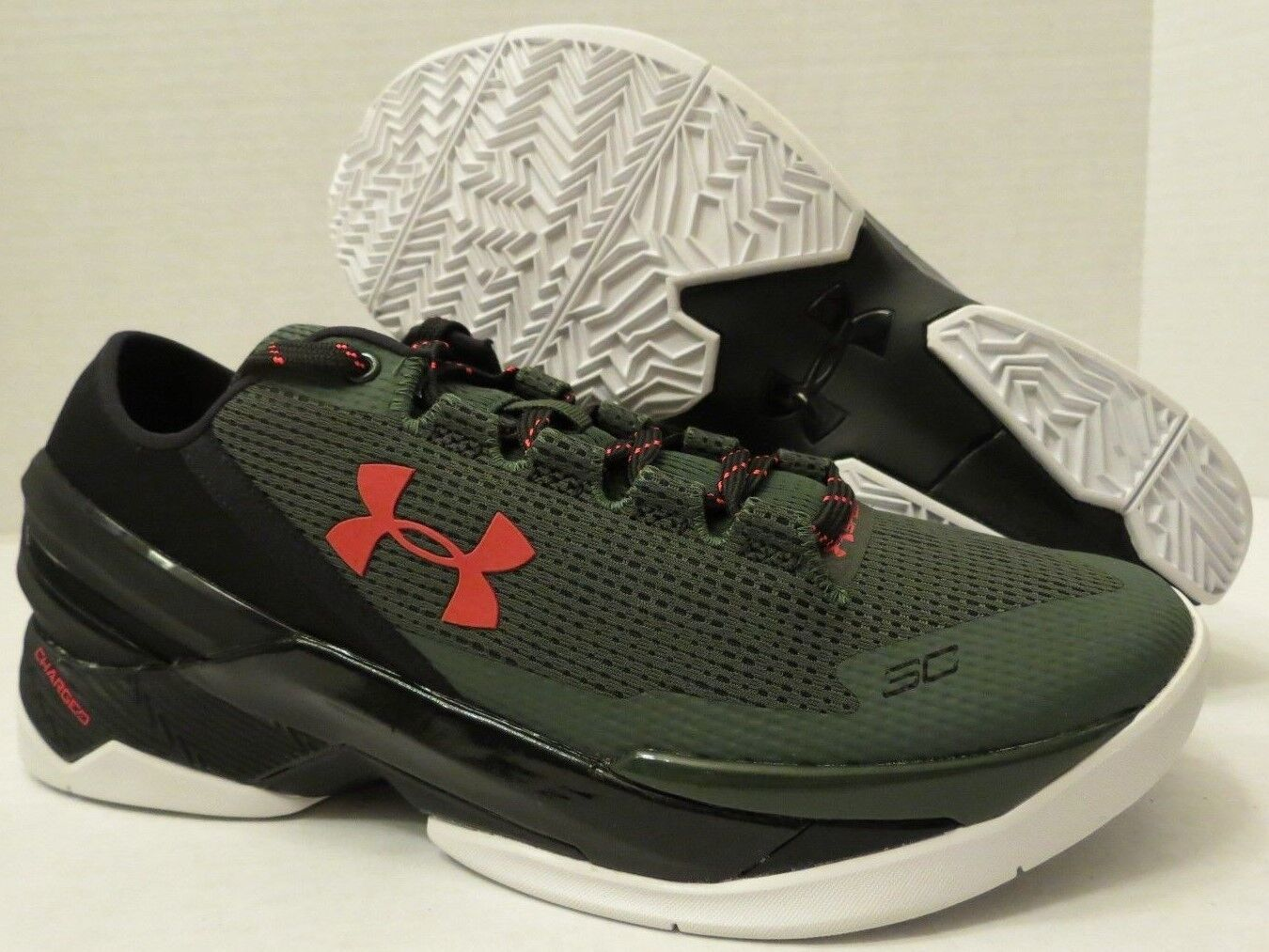 UNDER ARMOUR CURRY 2 LOW 1264001 994 COMBAT GREEN - BLACK (MEN'S 8.5)