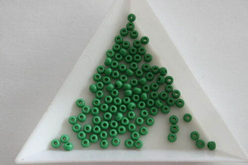 Size 8 3mm 400 beads approx #5141 Opaque Green Preciosa Seed Beads