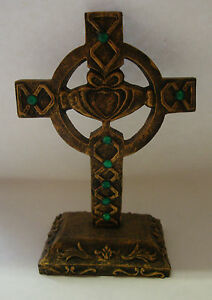Irish-Souvenir-BRONZE-FINISH-CROSS-WITH-GREEN-STONES-AND-CLADDAGH-HAND-CRAFTED
