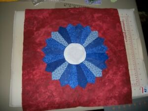 Handmade-Dresden-Plate-Quilt-Top-or-Block-Multi-Blue-on-Red-18-034-X-18-034