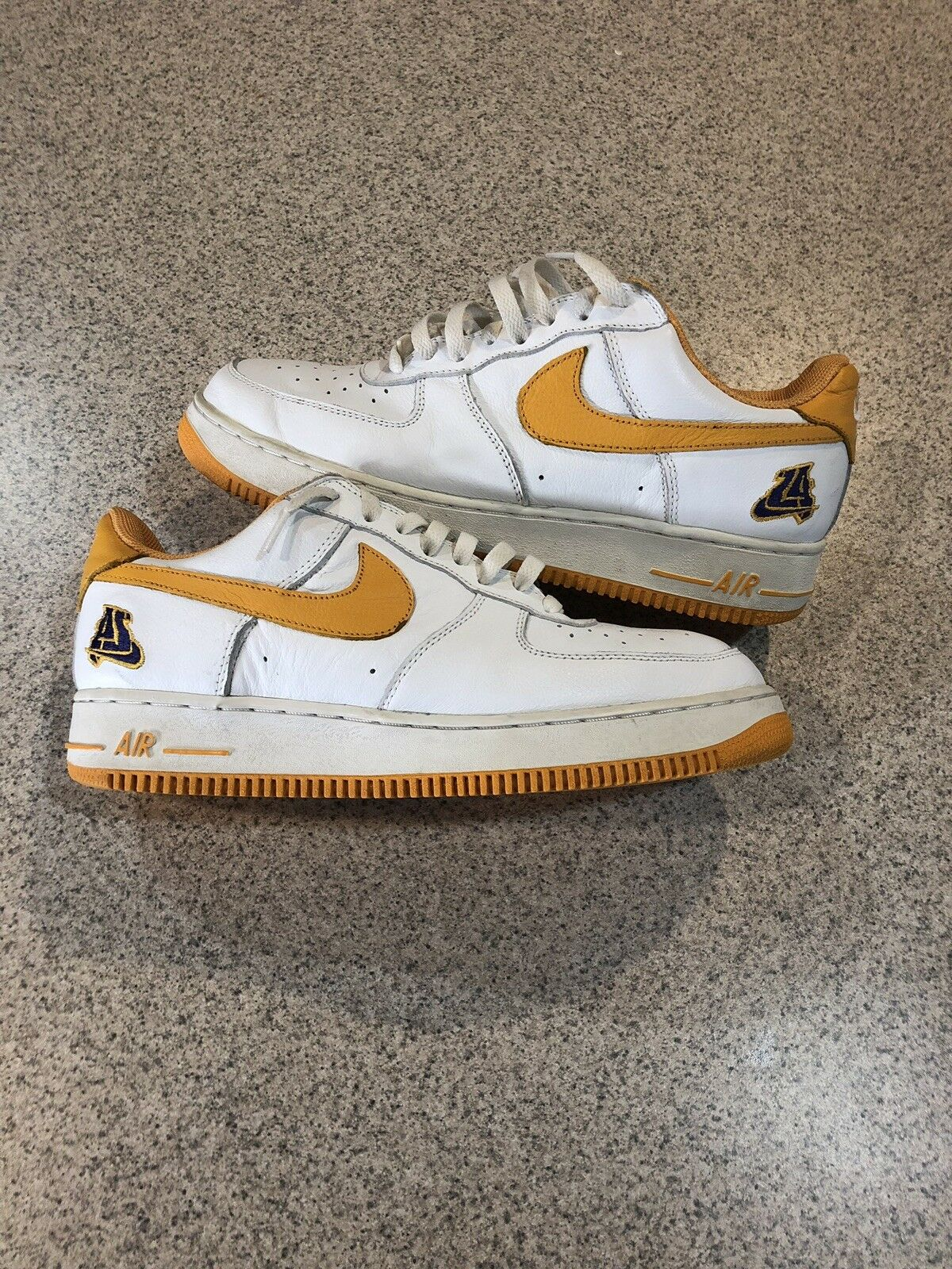 Nike Air Force 1 Los Angeles Lakers 2002 Edition (624040-173) Size 11 Pre-owned