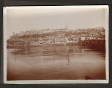 PHOTO NON LOCALISEE VILLE BORD DE FLEUVE VERS 1900