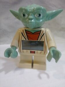 Lego-Star-Wars-Yoda-Alarm-Clock