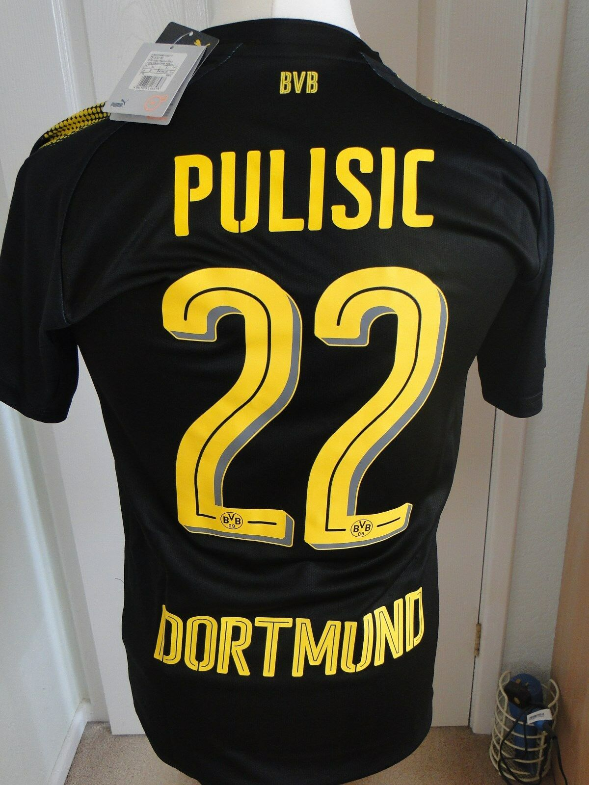 PULISIC BORUSSIA DORTMUND AWAY SHIRT 2017-18  SIZE SMALL BNWT