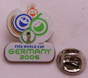 43 Fußball Weltmeisterschaft 2006 Germany FIFA Pin // Anstecker Gold