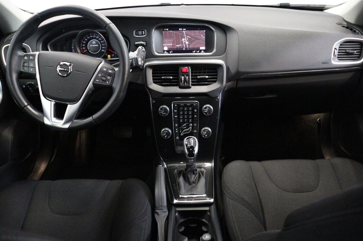Volvo V40 1,5 T3 152 Momentum aut.
