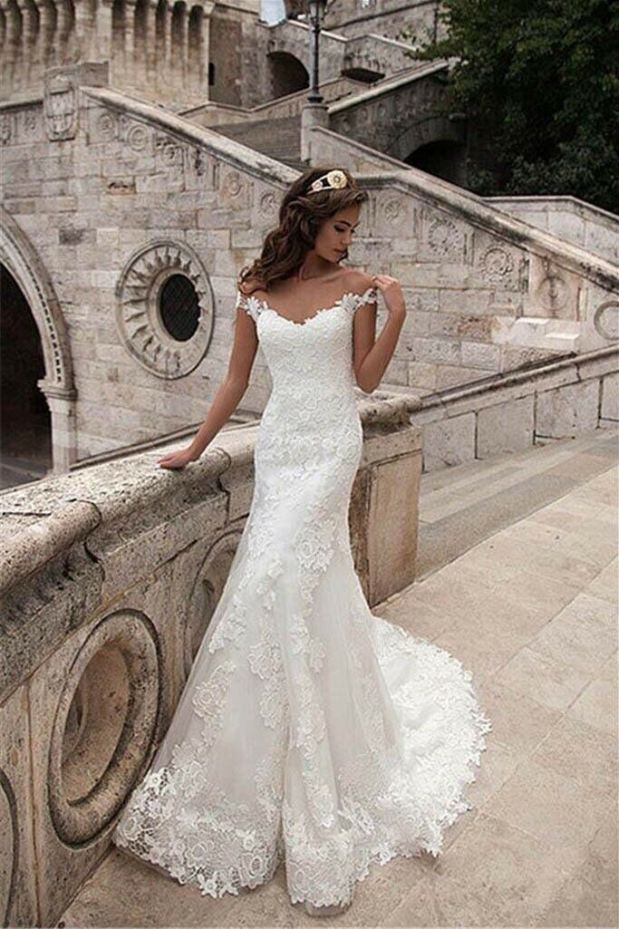 Beautiful, Off The Shoulder, Lace, Covered Button, Mermaid wedding dress Size 2