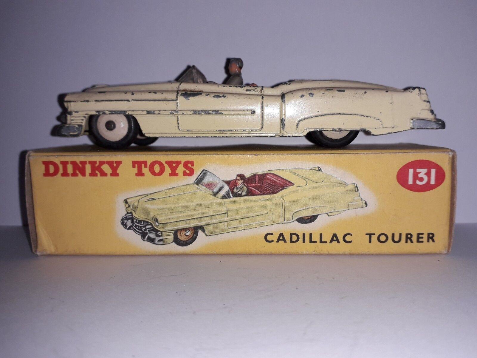 En Caja Dinky Juguetes Dinky 131 Cadillac Tourer cuerpo amarillo, interior rojo, hubs Crema