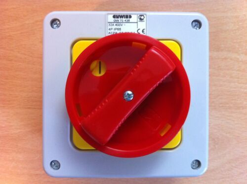 32a amp 4 Pole Lockable Rotary Switch Isolator IP65