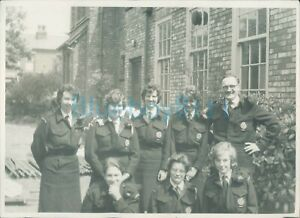 1950-039-s-Civil-Defence-Volunteers-In-Uniform-Group-Photo-6-5-x-5-inches-original