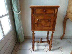 GéNéReuse Table De Nuit Chevet Ancienne En Bois Objet De Décoration Et De Collection
