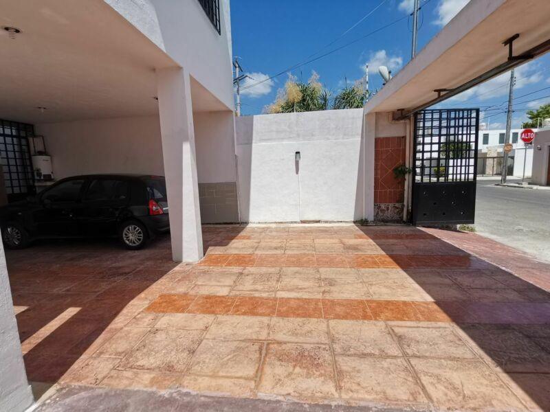 ¡¡En venta amplia casa con cerca eléctrica, piscina y más!!
