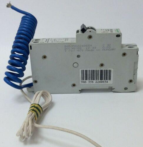 SCHNEIDER 32 AMP RCBO C TYPE MULTI 9 C60HC32R30 WITH CLIP TO CONVERT KQE132C03