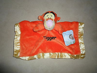 Ages 6 Months~NEW WITH TAGS!! Disney Baby Pooh Soft Plush Baby Snuggle Blanket