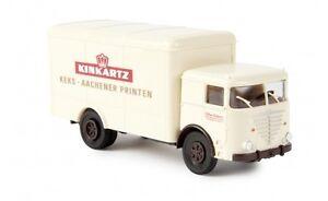 79118-Brekina-Buessing-Commodore-Koffer-034-Kinkartz-034-1-87