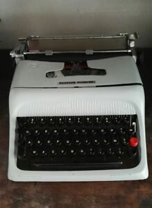 Olivetti-Studio-44-macchina-da-scrivere-d-039-epoca-vintage-anni-50