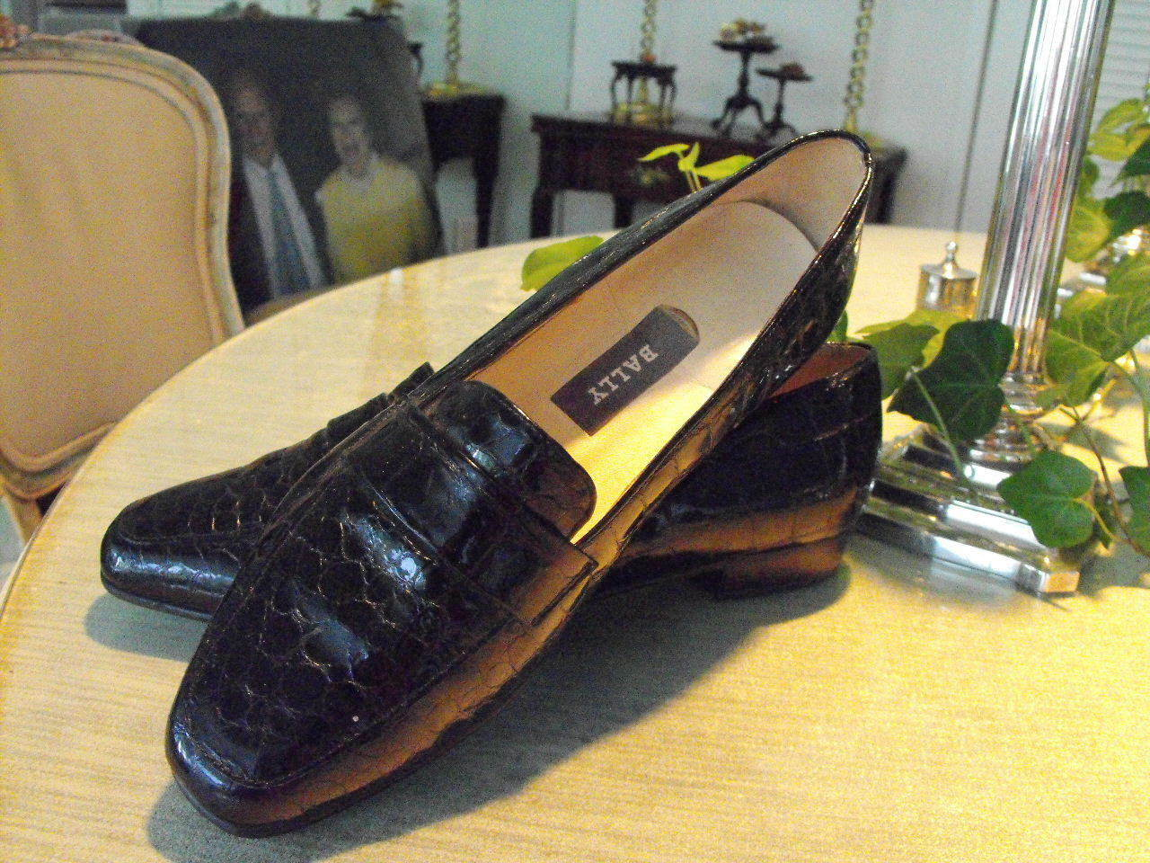 Sensational  BALLY (Paris) Black Alligator Patent Leather Loafers 7C