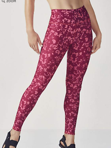 Fabletics High-Waisted Power hold Leggings in Berry Bonsoir,NWT, Small, orig 84.