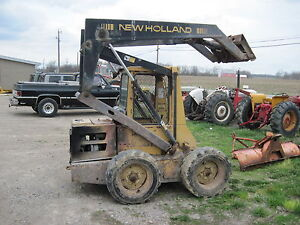 Details about HYDRAULIC LIFT CYLINDER FOR BOOM OFF A NEW HOLLAND L553 SKID  STEER