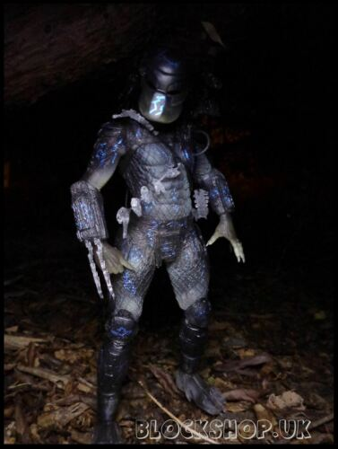 "MOVIE Action Figure PREDATOR Warrior ALIENS AVP NECA 7/"" WATER EMERGENCE"