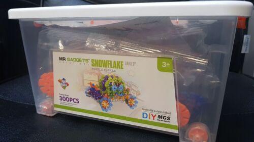 Educational Toys 200 Pieces Snowflakes Interlinking Kids Construction Blocks