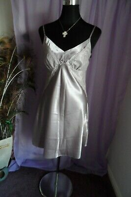 LADIES WHITE FULL SLIP CHEMISE WITH LACE TRIM TO  HEM AND BUST  SIZE 18 BNWTT