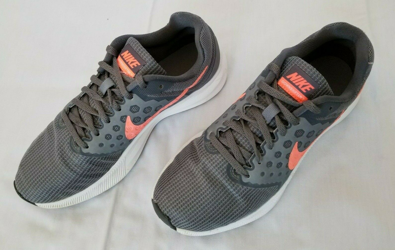 Womens Size 8.5 Grey Pink Nike Downshifter 7 Running shoes 852466-001 preowned