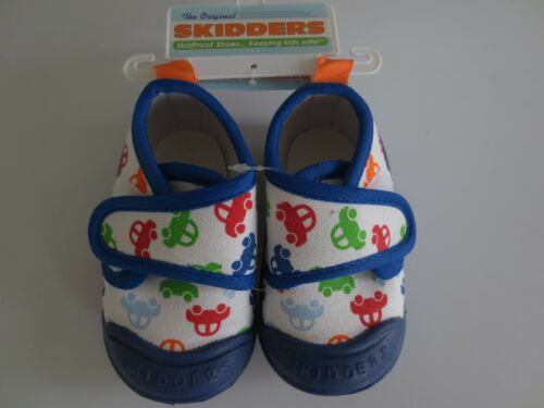NEW Boy Infant Toddler 12 months SKIDDERS Gripper CARS White Canvas Shoes