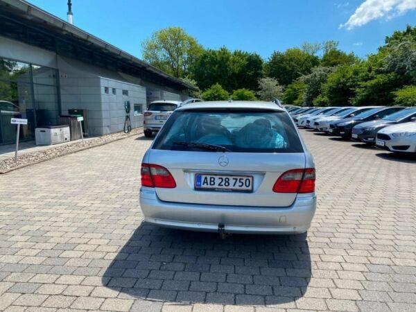 Mercedes E220 2,2 CDi Avantgarde stc. aut. - billede 3