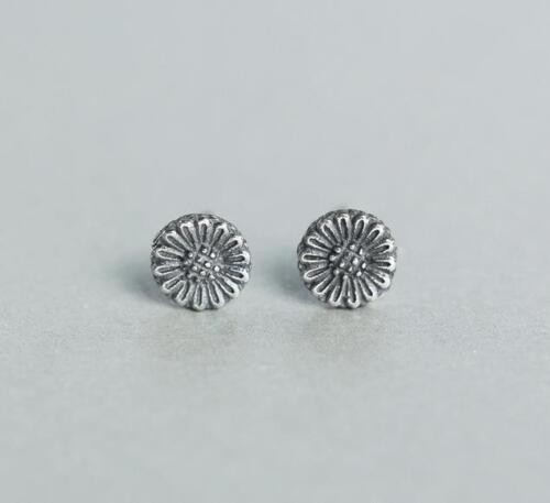 Solid 925 Sterling Silver Small Oil Spot Daisy Flower Stud Earrings Gift Pouch
