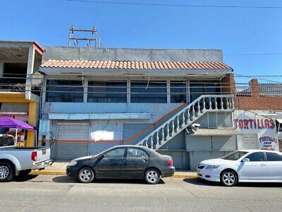 Se renta amplio local comercial sobre el Blvrd principal en Rosarito