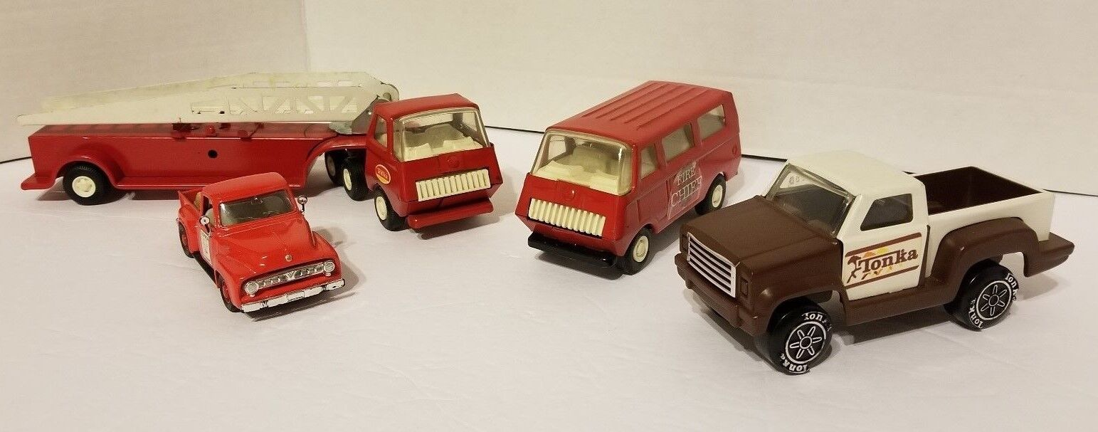 TONKA PRESSED PRESSED PRESSED STEEL TOYS COLLECTION. VINTAGE Lot of 4. Great Condition  8928fe
