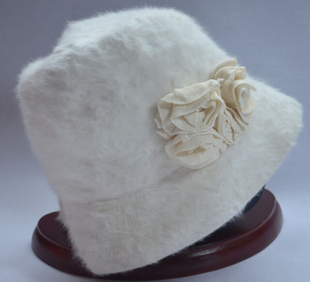 e5de018668198 KANGOL FURGORA WHITE TRILBY HAT CORSAGE CAP 6265BC MEDIUM 57cm 22.5in NEW  NWT