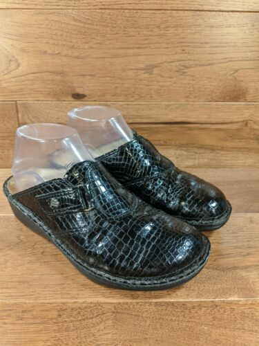 Finn Comfort 'Orb Croc' Women Black Patent Leather