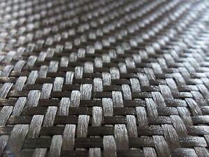 5,45m2 de chute de tissu carbone en 300gr/m2