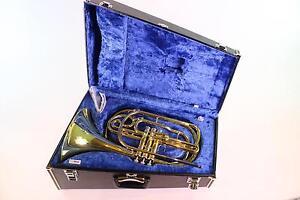 Actif Yamaha Modèle Yhr-302m Bb Marching French Horn En Laque Comme Neuf Condition-afficher Le Titre D'origine