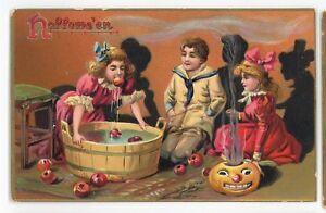 HALLOWEEN-JOL-Bobbing-for-Apples-Girls-Pumpkin-Vintage-TUCK-Postcard