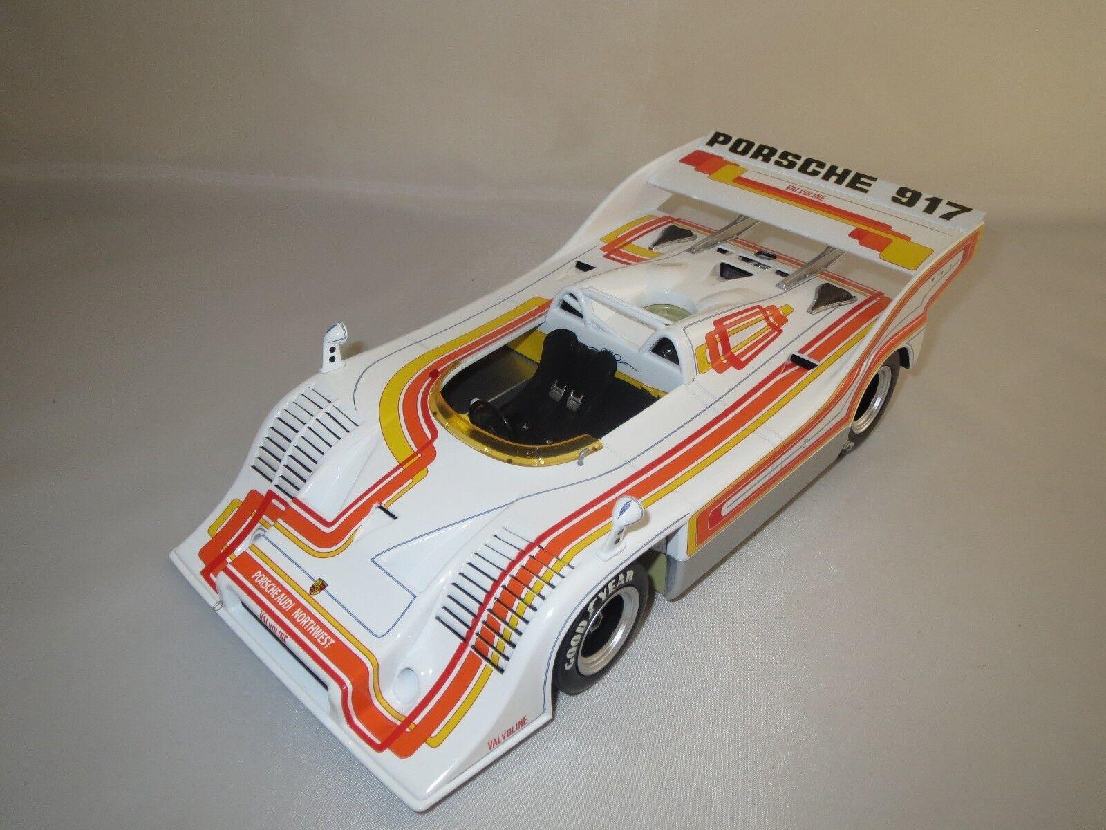 Minichamps Porsche 917 10 1 18 sans emballage