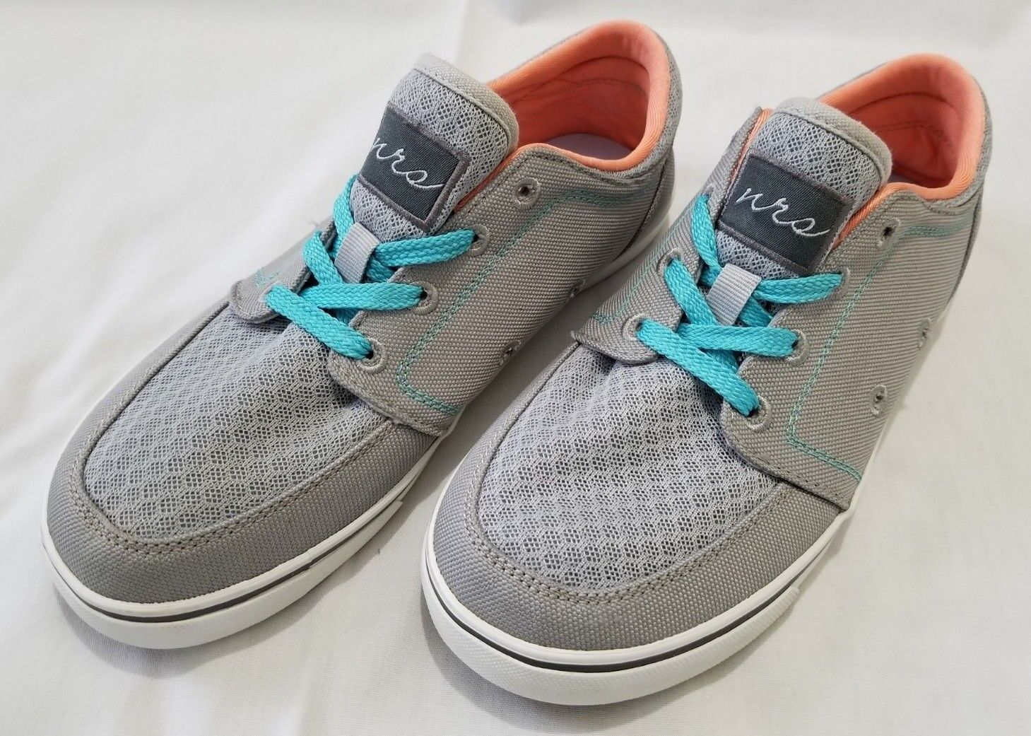 Womens Size 7 Grey NRS Vibe Water shoes preowned