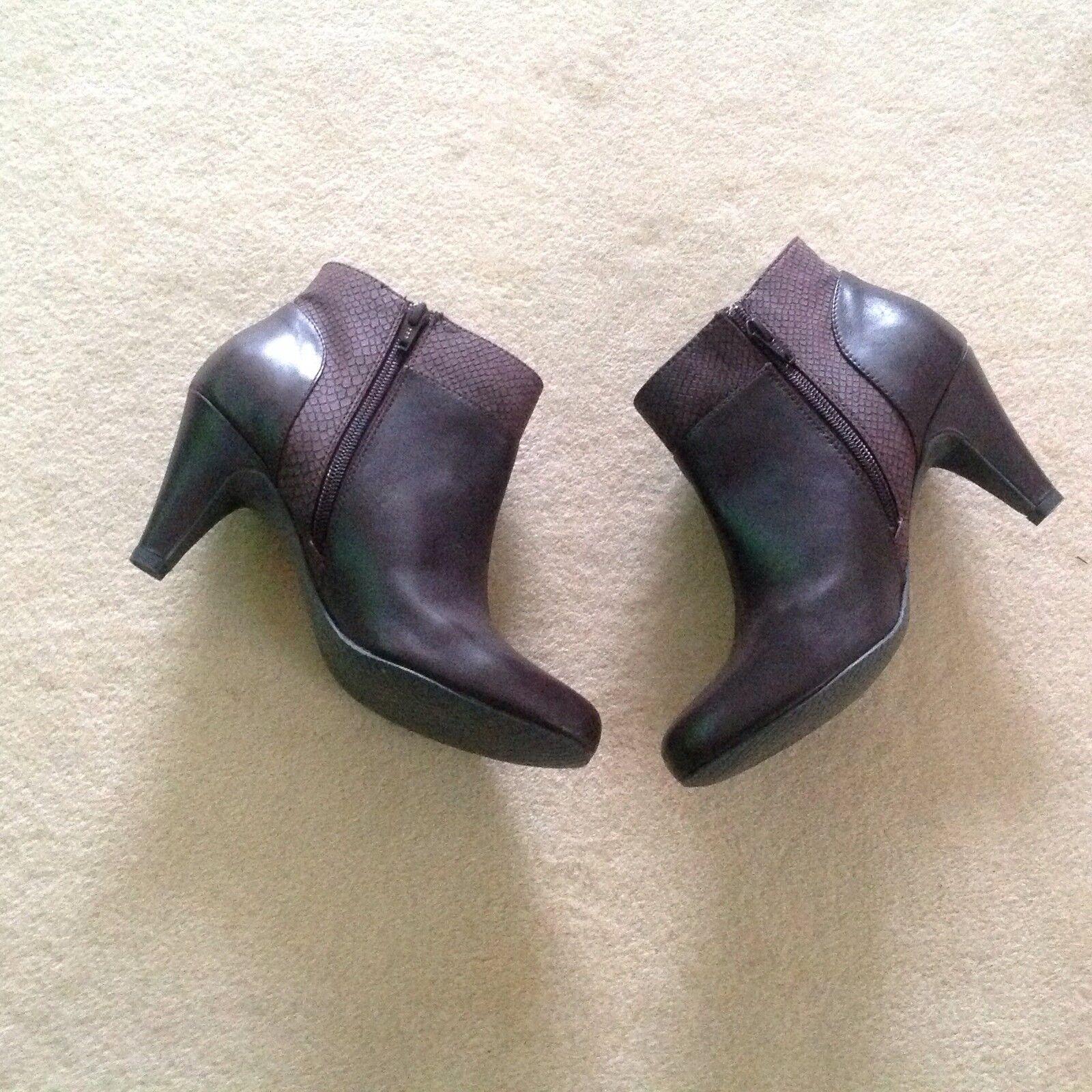 Clarks Braun  Leder Größe  Ankle Stiefel.New Größe Leder 7 UK 6f3f5e